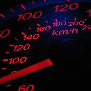 Что показывает спидометр автомобиля